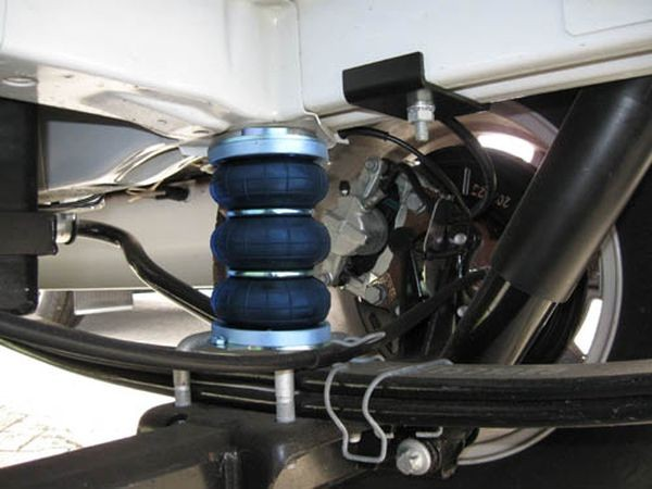 Ford Transit, Frontantrieb, Baujahr 2000- 2006, Achse 70x90mm, Pralldämpfer alle, Zusatz-Luftfederung 6 Zoll Zweikreis Faltenbalg- Anlage, syst. LF1B 2862725
